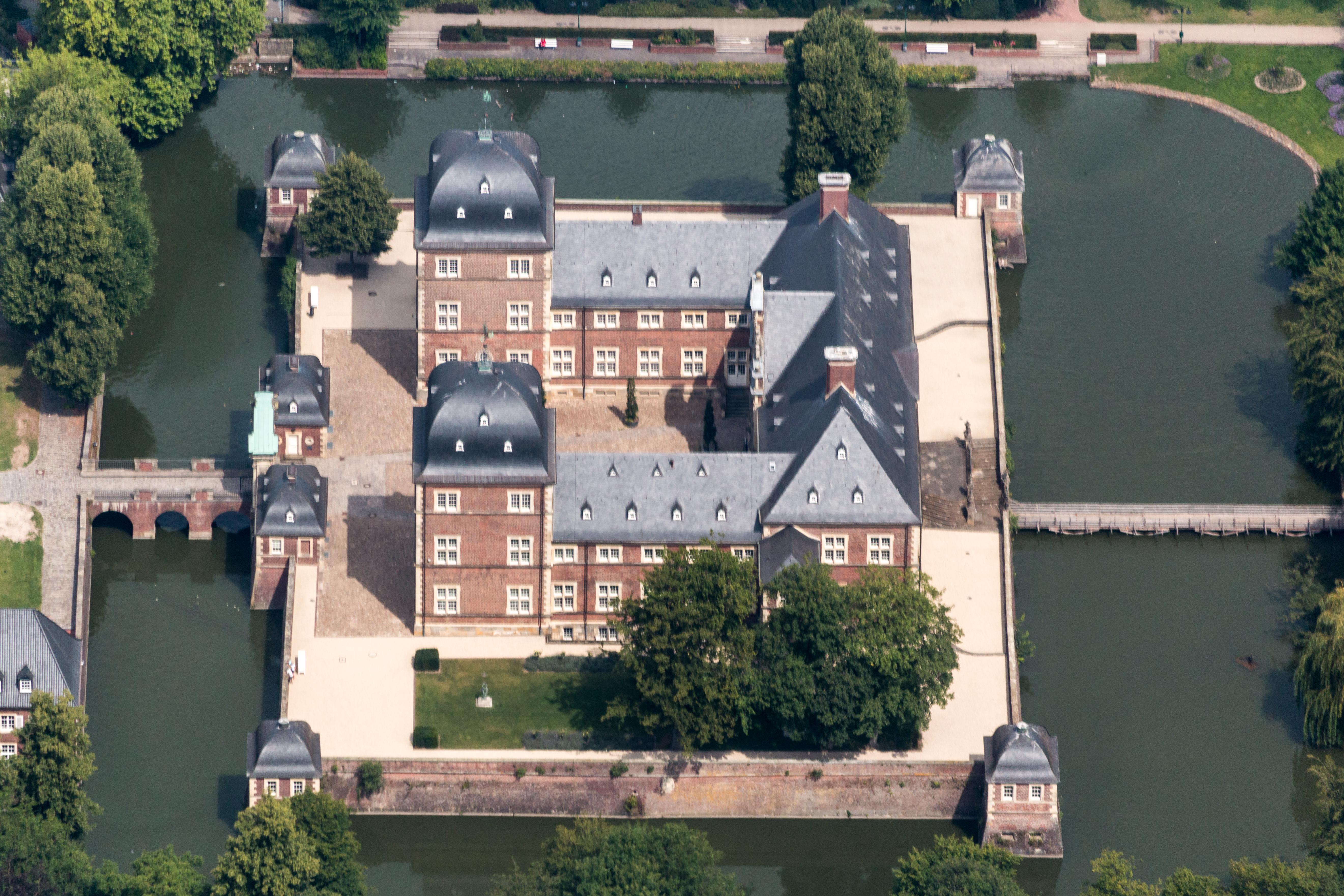 File:Ahaus, Schloss Ahaus -- 2014 -- 2361.jpg