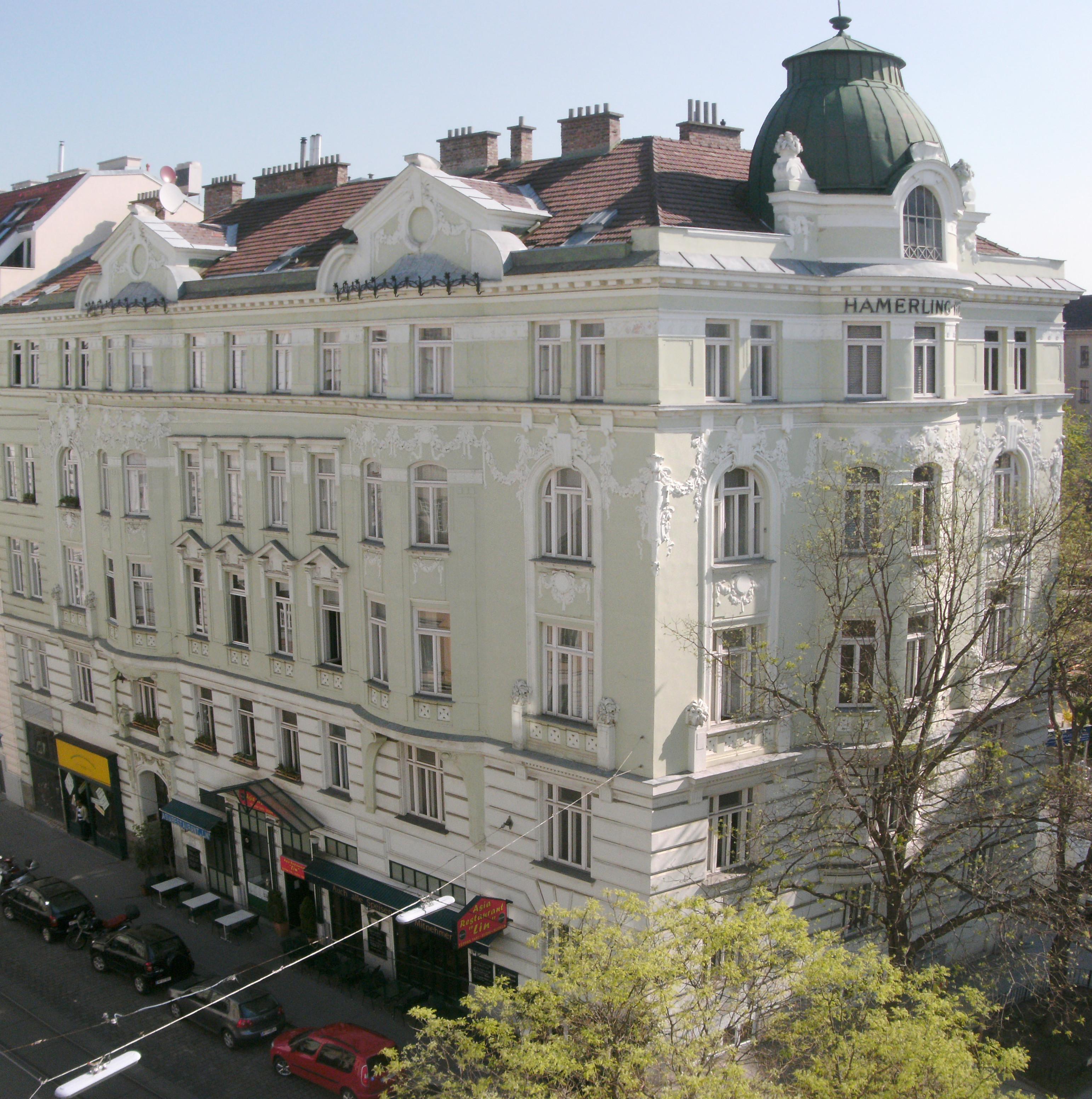 Albertgasse 30 Hamerlinghof.JPG