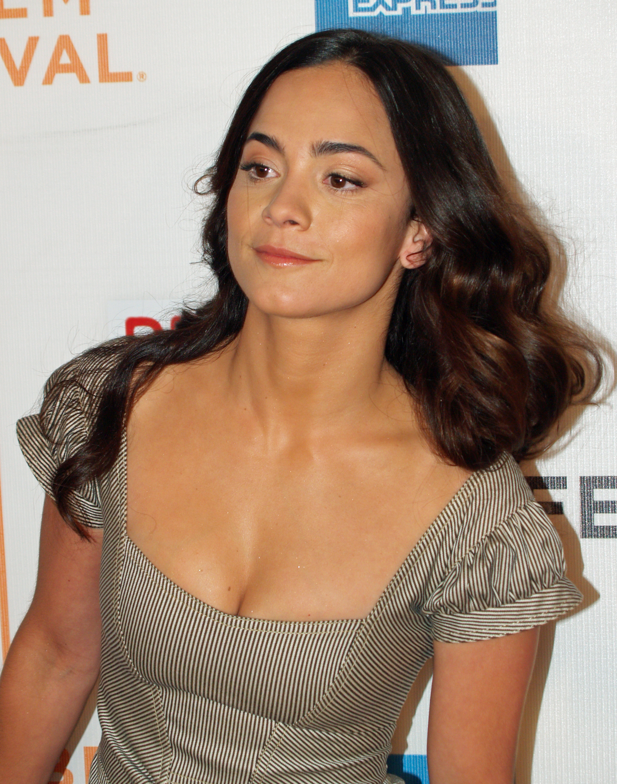 alice braga predators