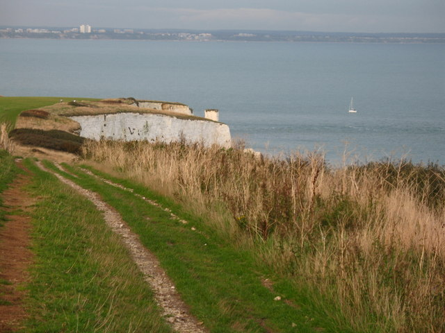 Approaching Old Harry Rocks - geograph.org.uk - 1052343