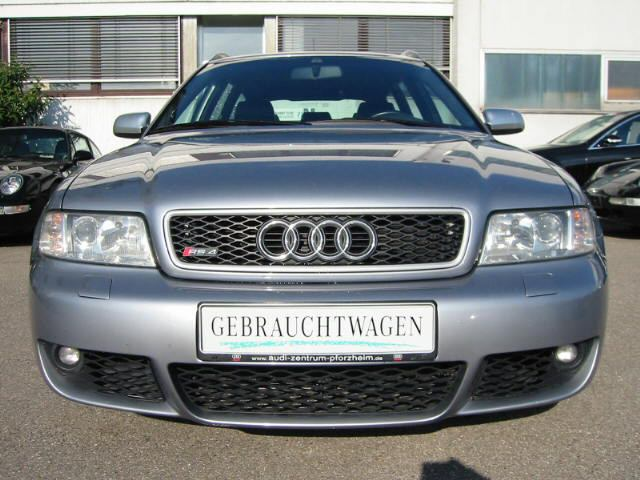 File:Audi RS4 B5 front.