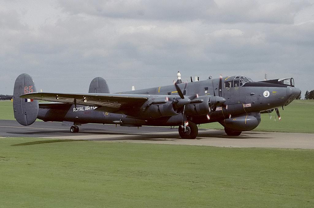Avro_696_Shackleton_AEW2%2C_UK_-_Air_For