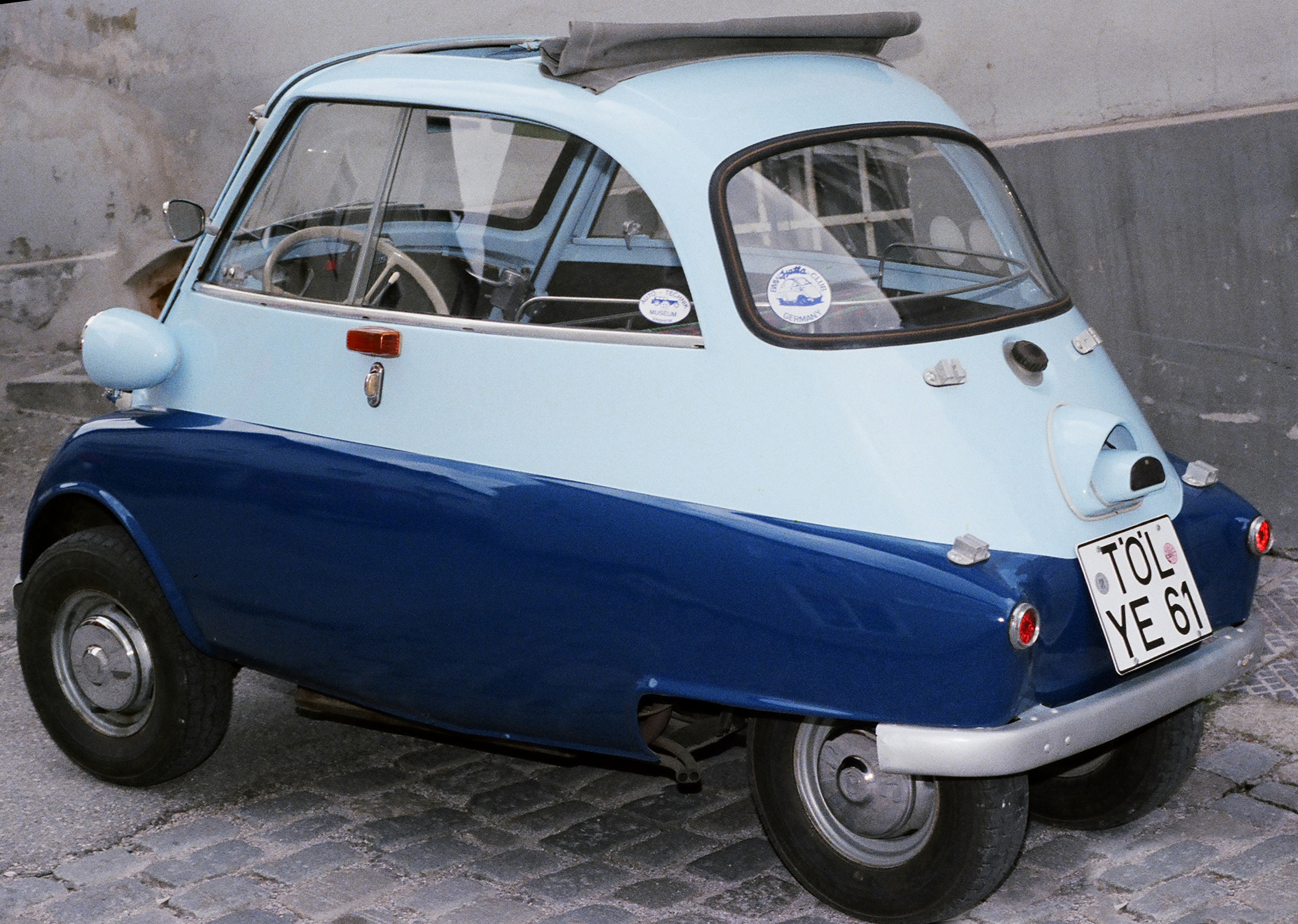 Bmw Isetta 300 – Sliding