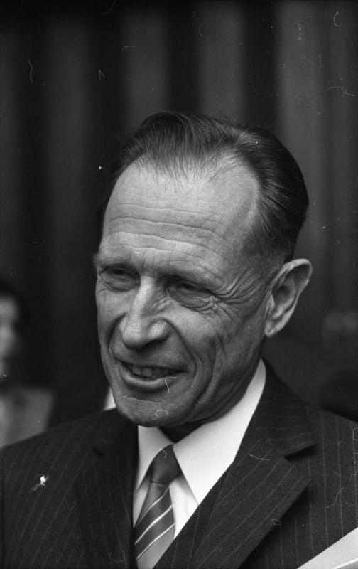 Klaus Mehnert.