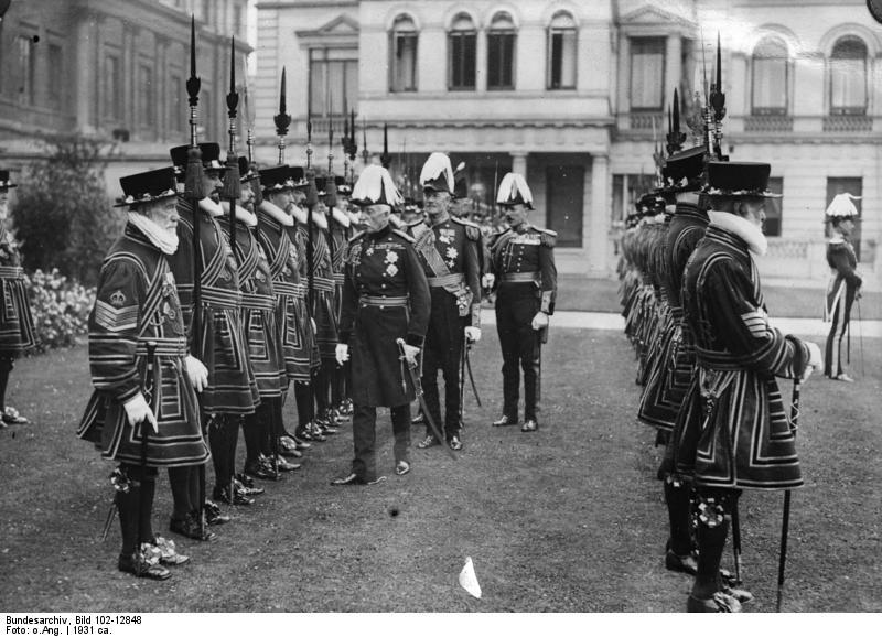 File:Bundesarchiv Bild 102-12848, London, Königliche Ehrenwache.jpg