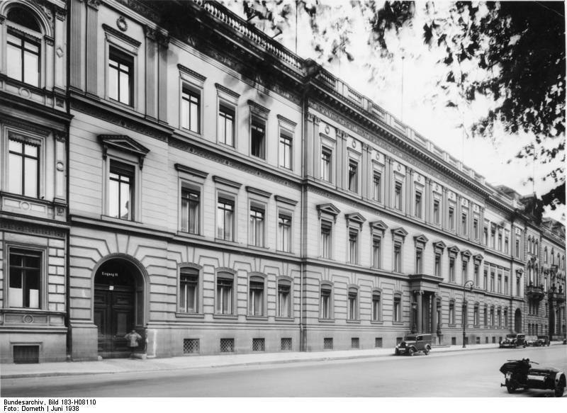 Das Reichsjustizministerium Bundesarchiv_Bild_183-H08110%2C_Berlin%2C_Preu%C3%9Fisches_Justizministerium