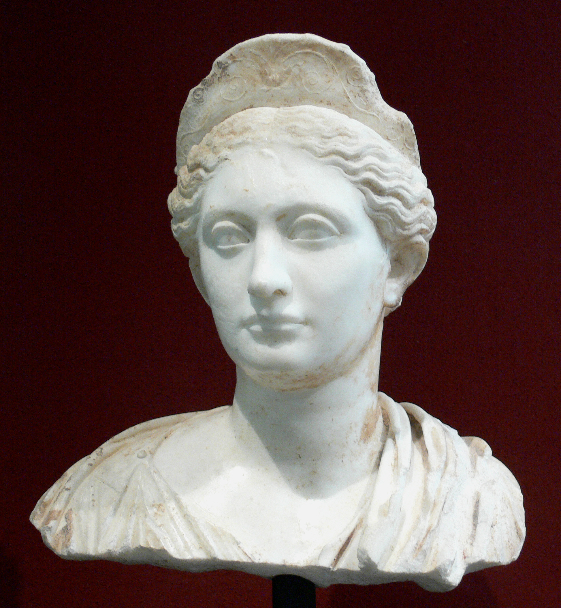 file bust of sabina getty center     wikimedia commons