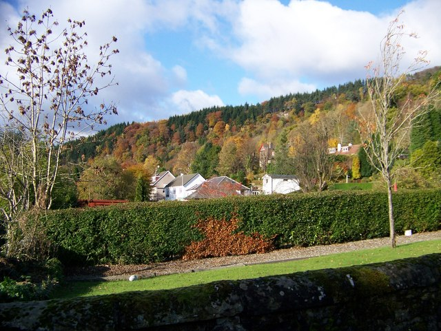 Callander Crags in the Autumn - geograph.org.uk - 1033060