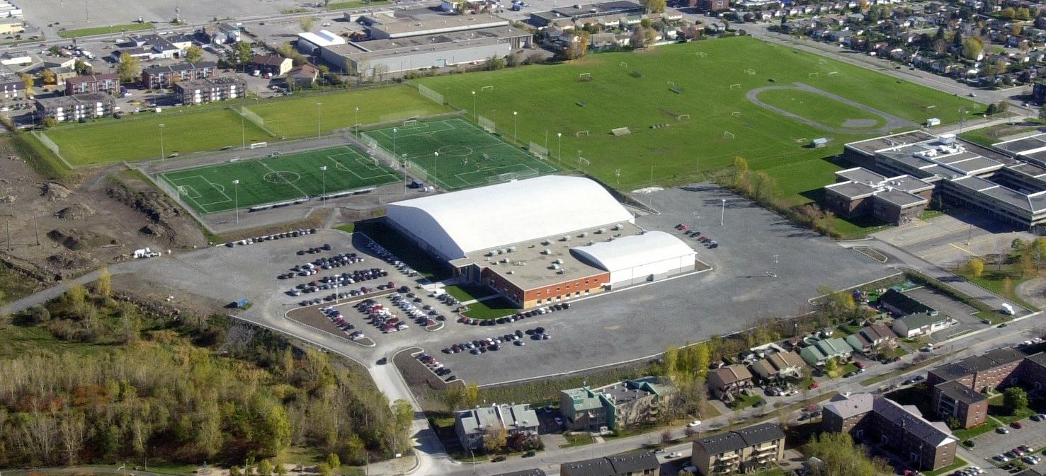 Centre_sportif_Bois-de-Boulogne.jpg