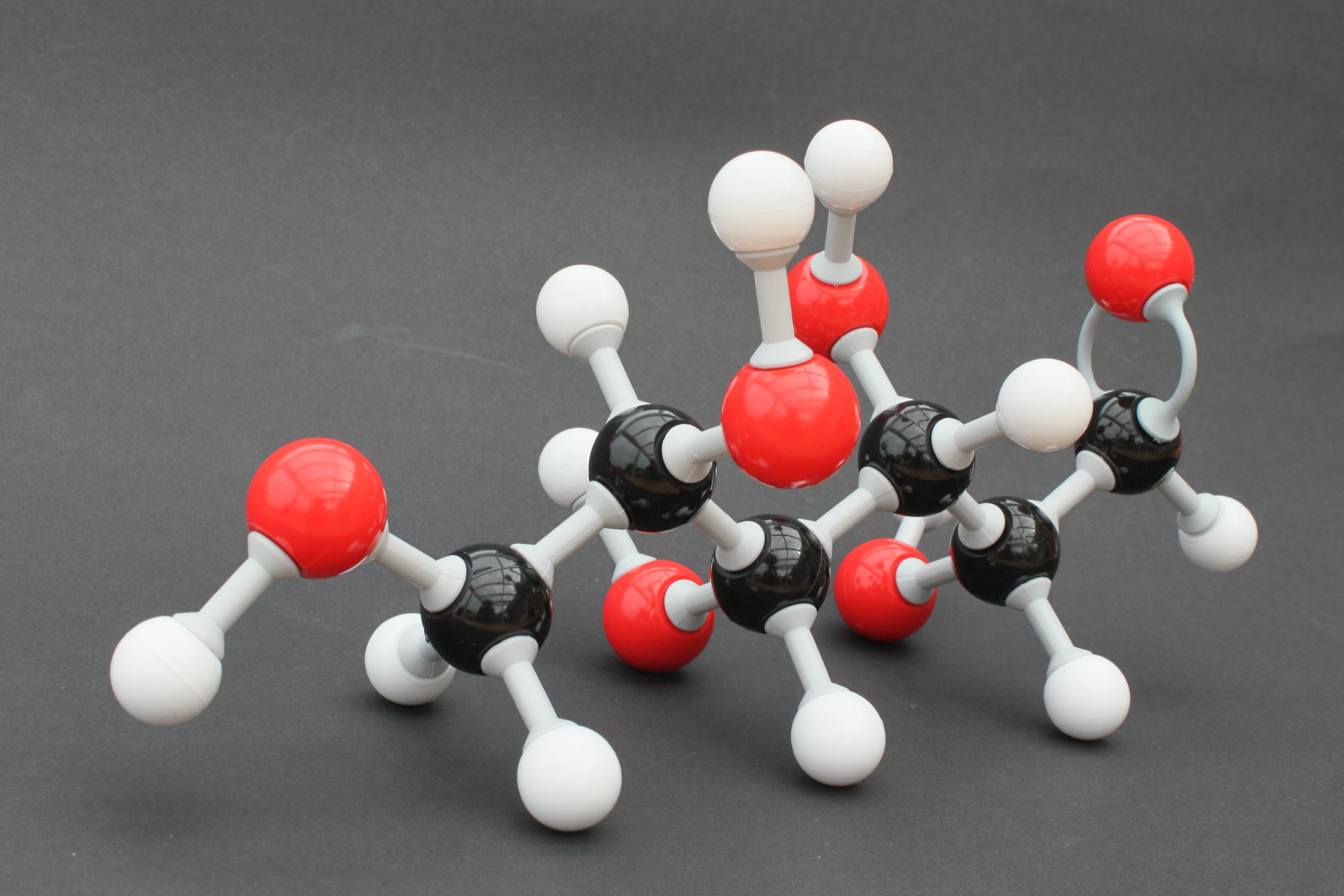 Build Organic Molecules Online