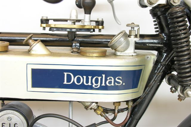 Douglas Flattank on Horizontally Opposed 4 Cylinder Engine