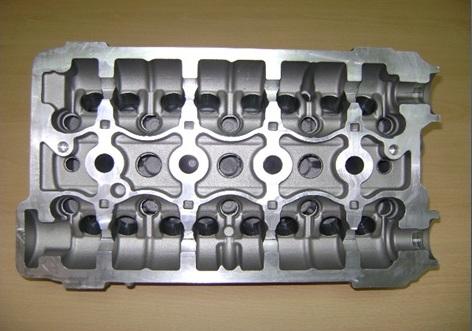 File:EF7 Engine Cylinder head 2 jpg - Wikimedia Commons