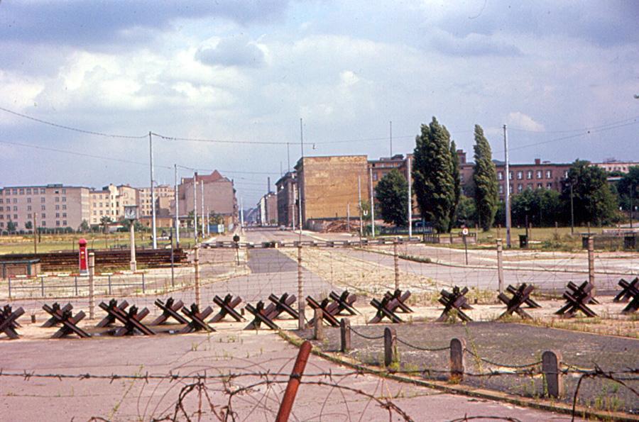 File east berlin potsdamer platz from berlin wall jpg wikimedia