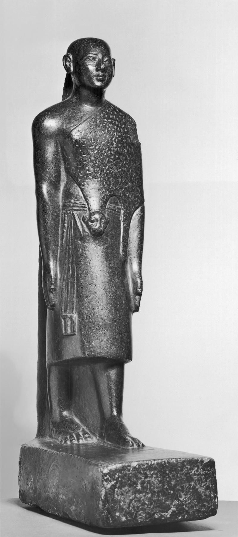 File:Egyptian - Standing Priest Wearing Leopard Skin - Walters 22113.jpg -  Wikimedia Commons