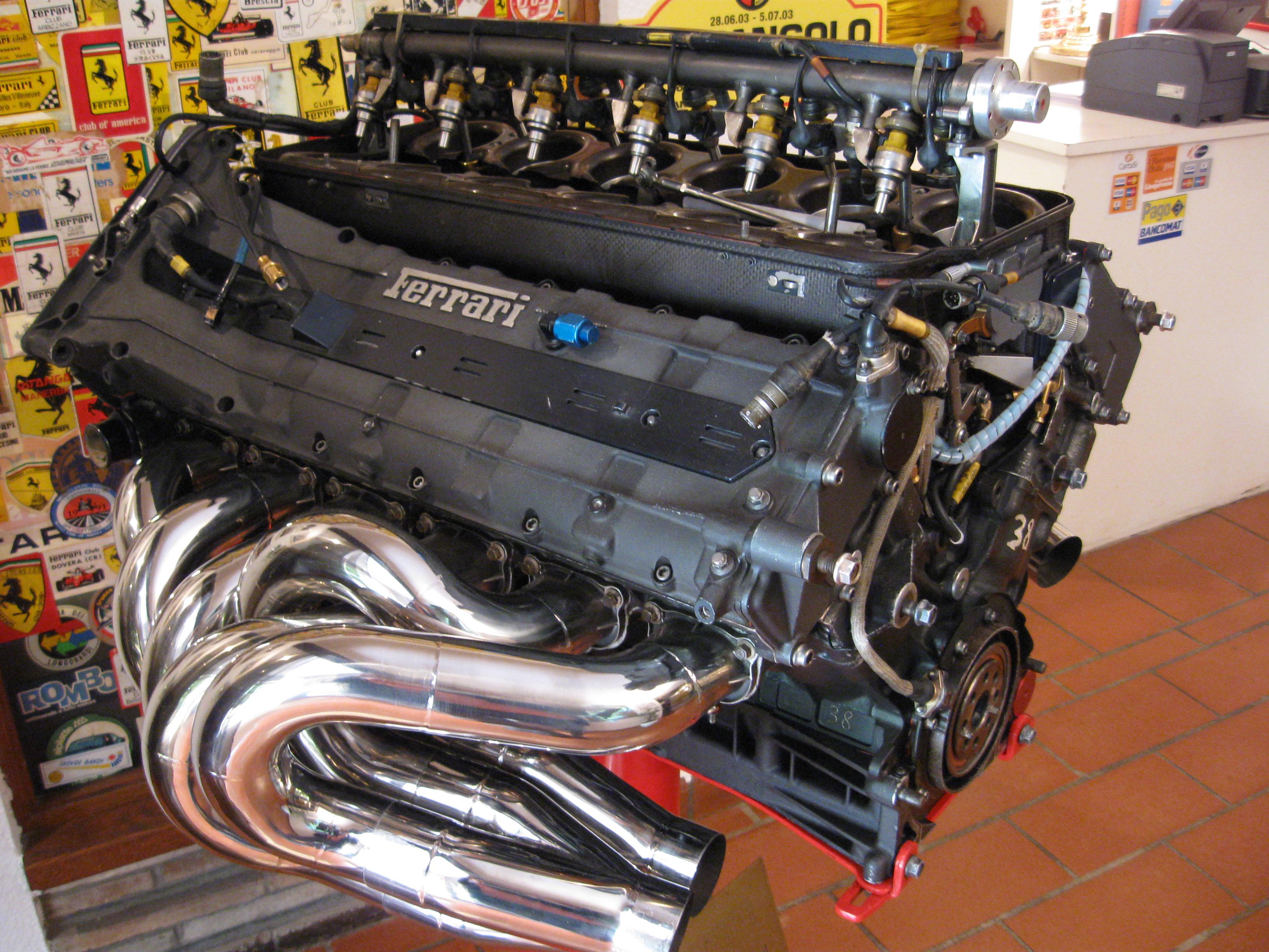 File Ferrari V12 Formula One Racing Engine Jpg Wikipedia