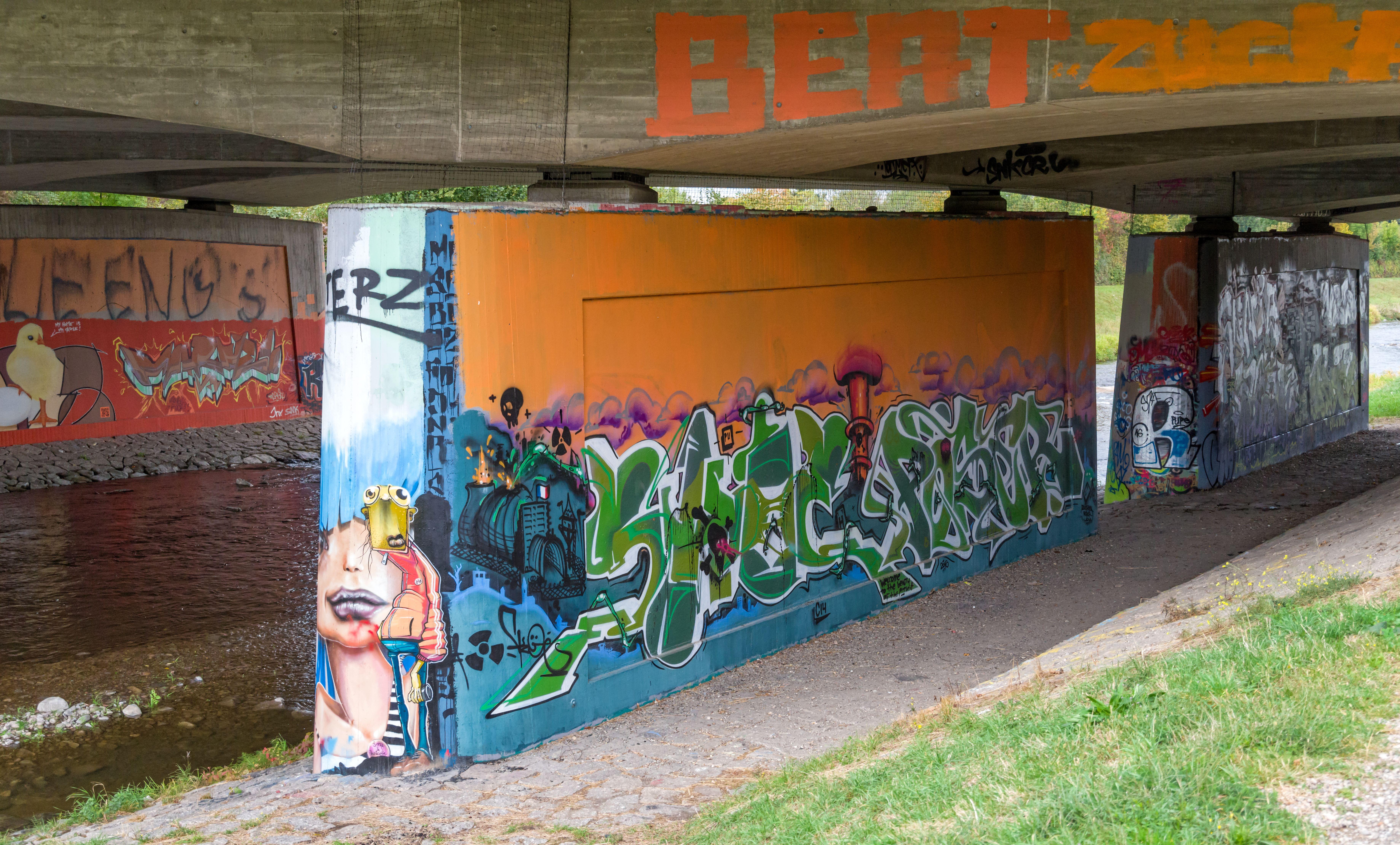 Filegraffiti Hermann Zens Brücke Freiburg Im Breisgau Jm22975jpg