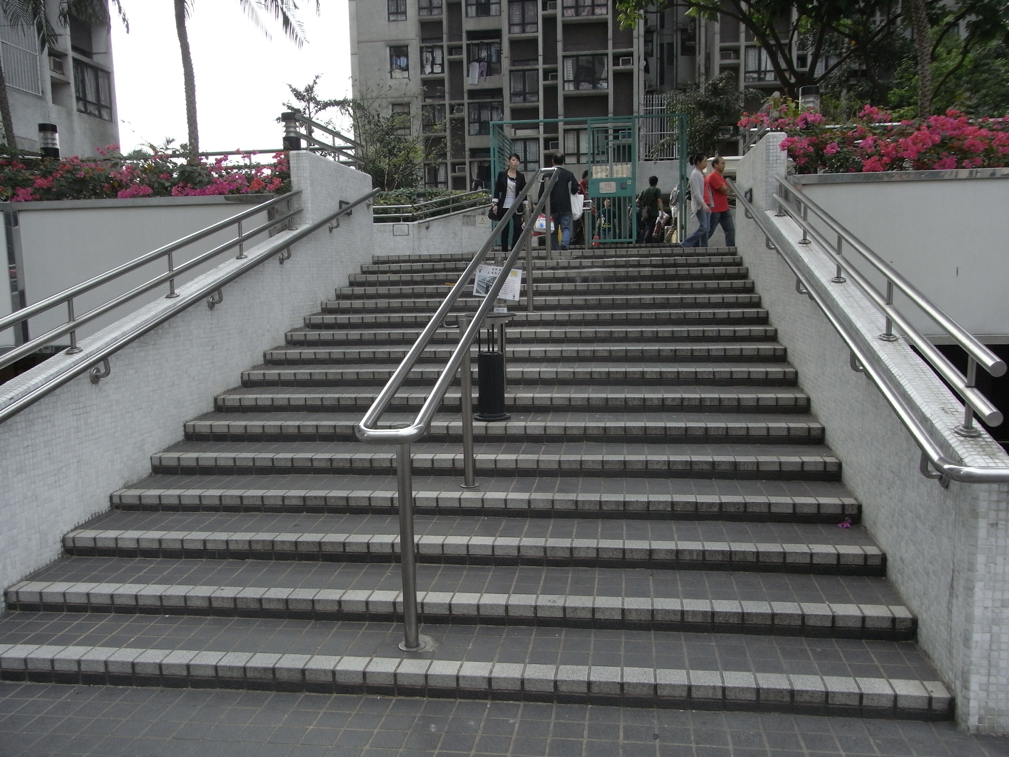 Attractive File:HK 油麻地 Yamatei 駿發花園 Prosperous Garden Outdoor Stairs