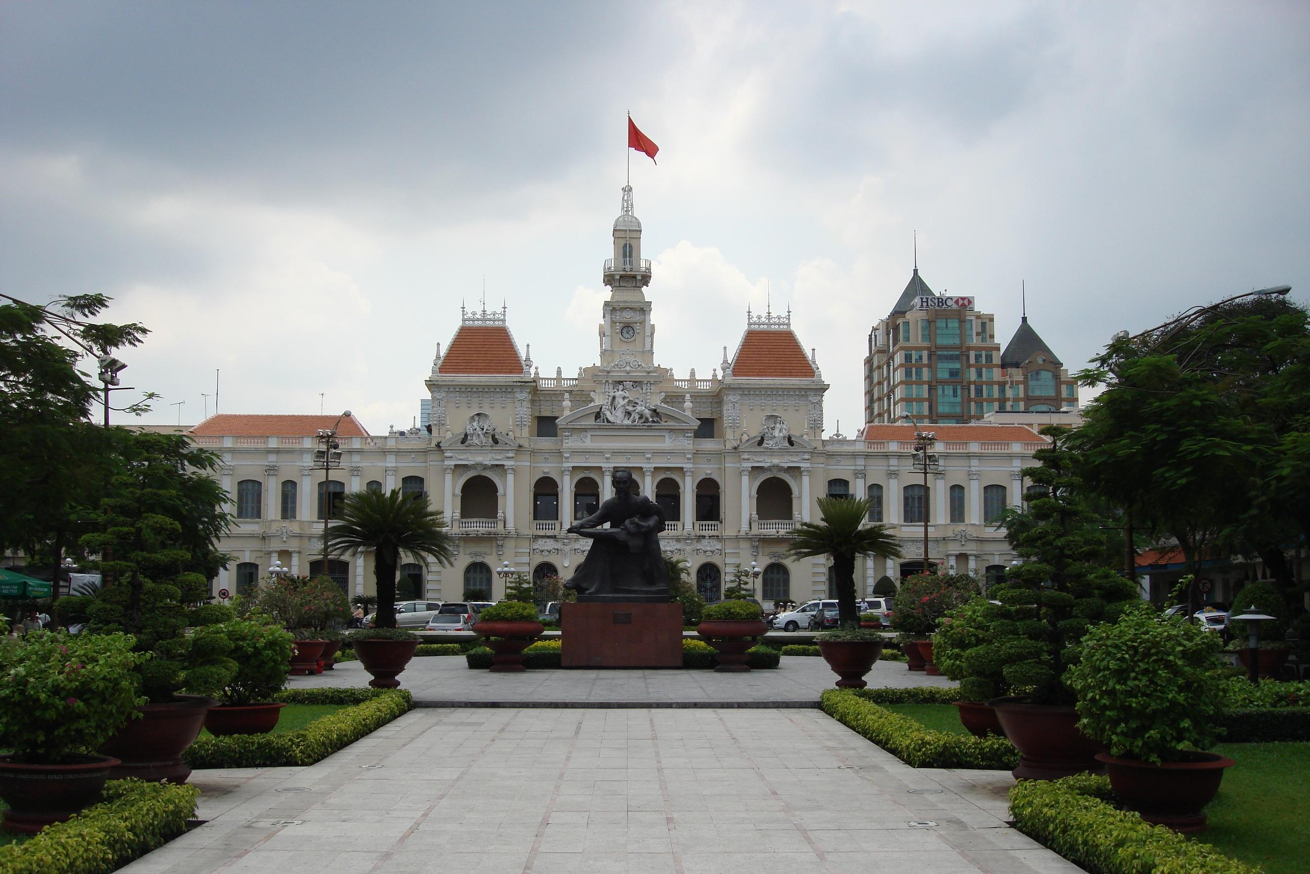 File ho chi minh city hall hotel de ville de saigon jpg for Hotel de ville
