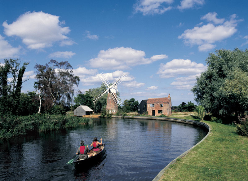 File:Hunsett Mill Norfolk.jpg