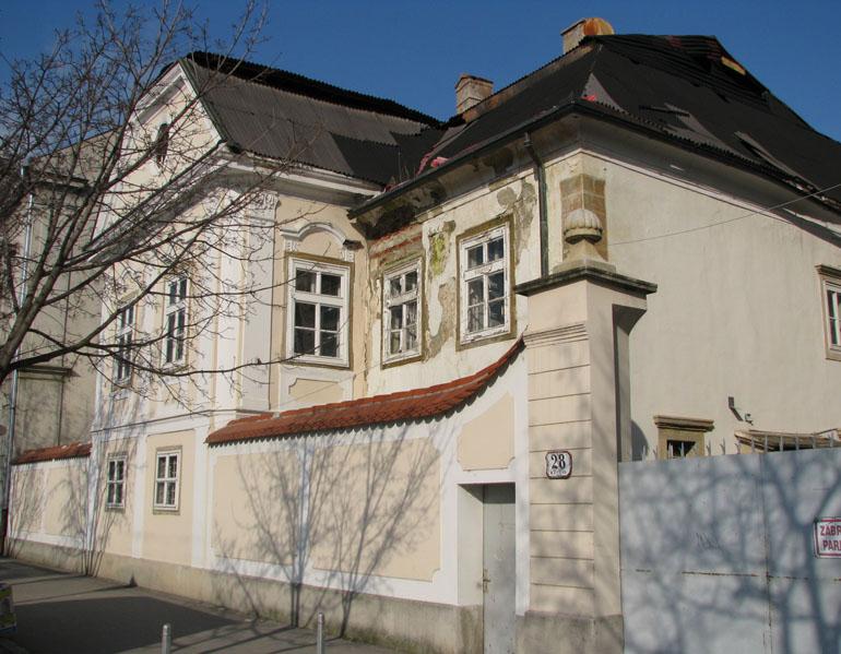 Kaptol ne polaže račune za 300 milijuna proračunskih kuna Kaptol_28,_Zagreb