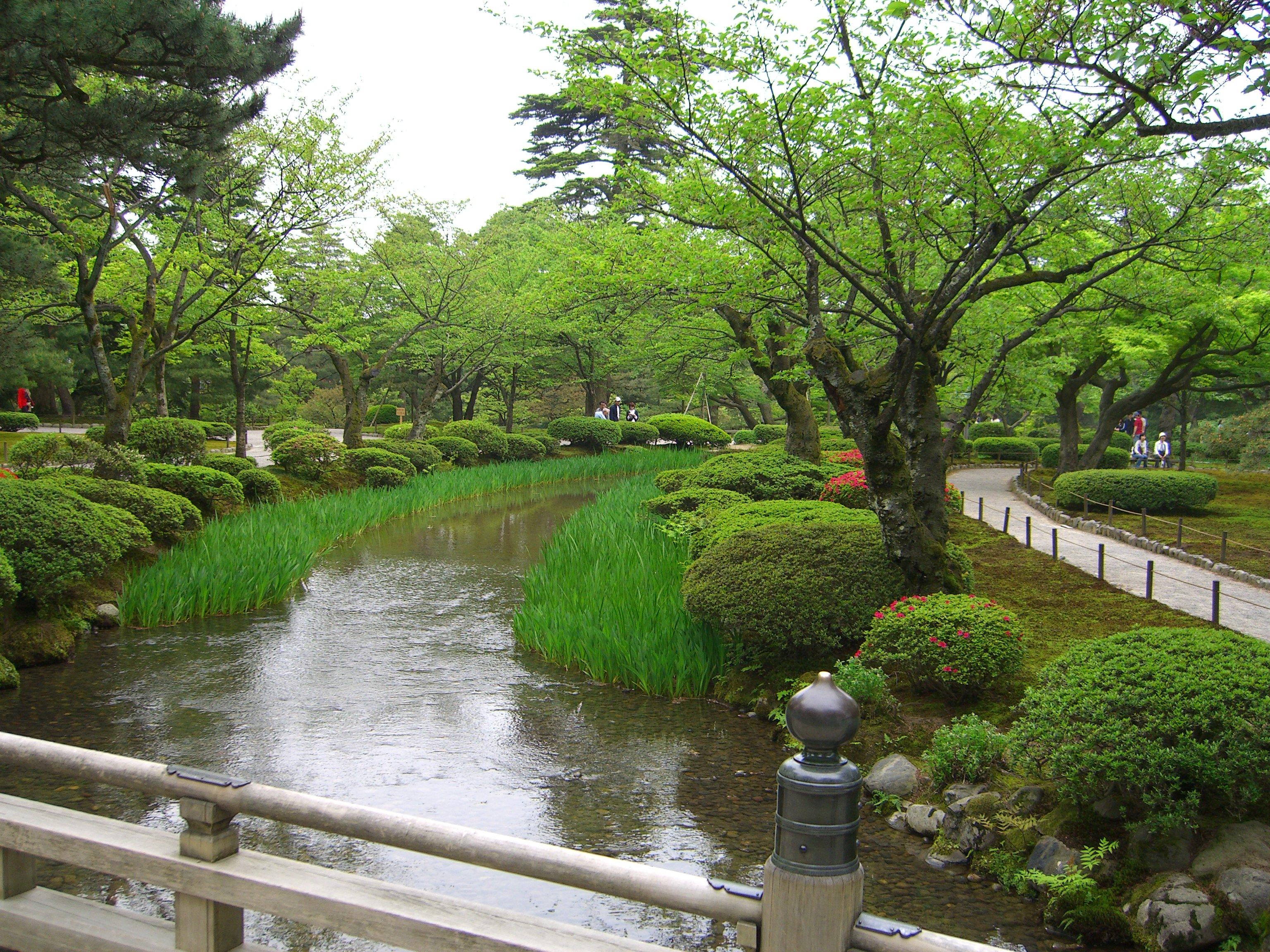 File kenrokuen hanamibashi in wikimedia commons - Jardines japoneses zen ...