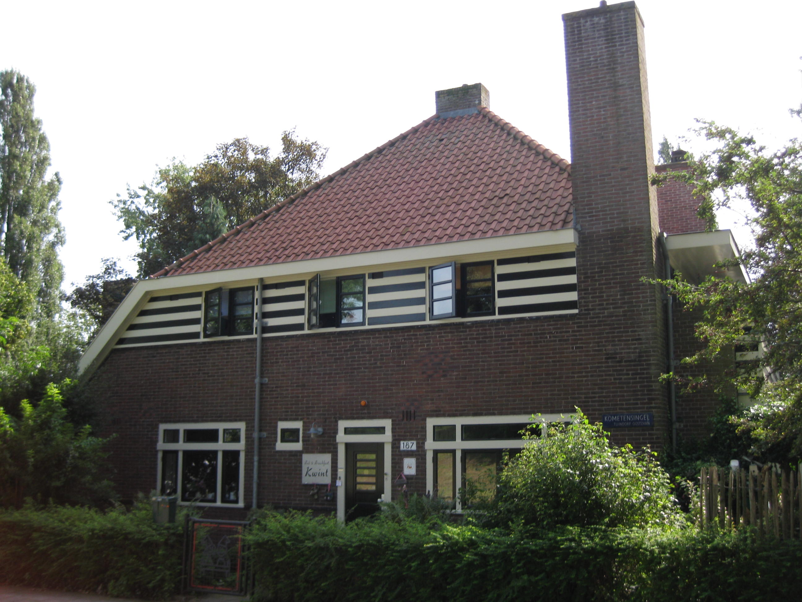 Dokterswoning vrijstaand bouwstijl amsterdamse school bouwstijl