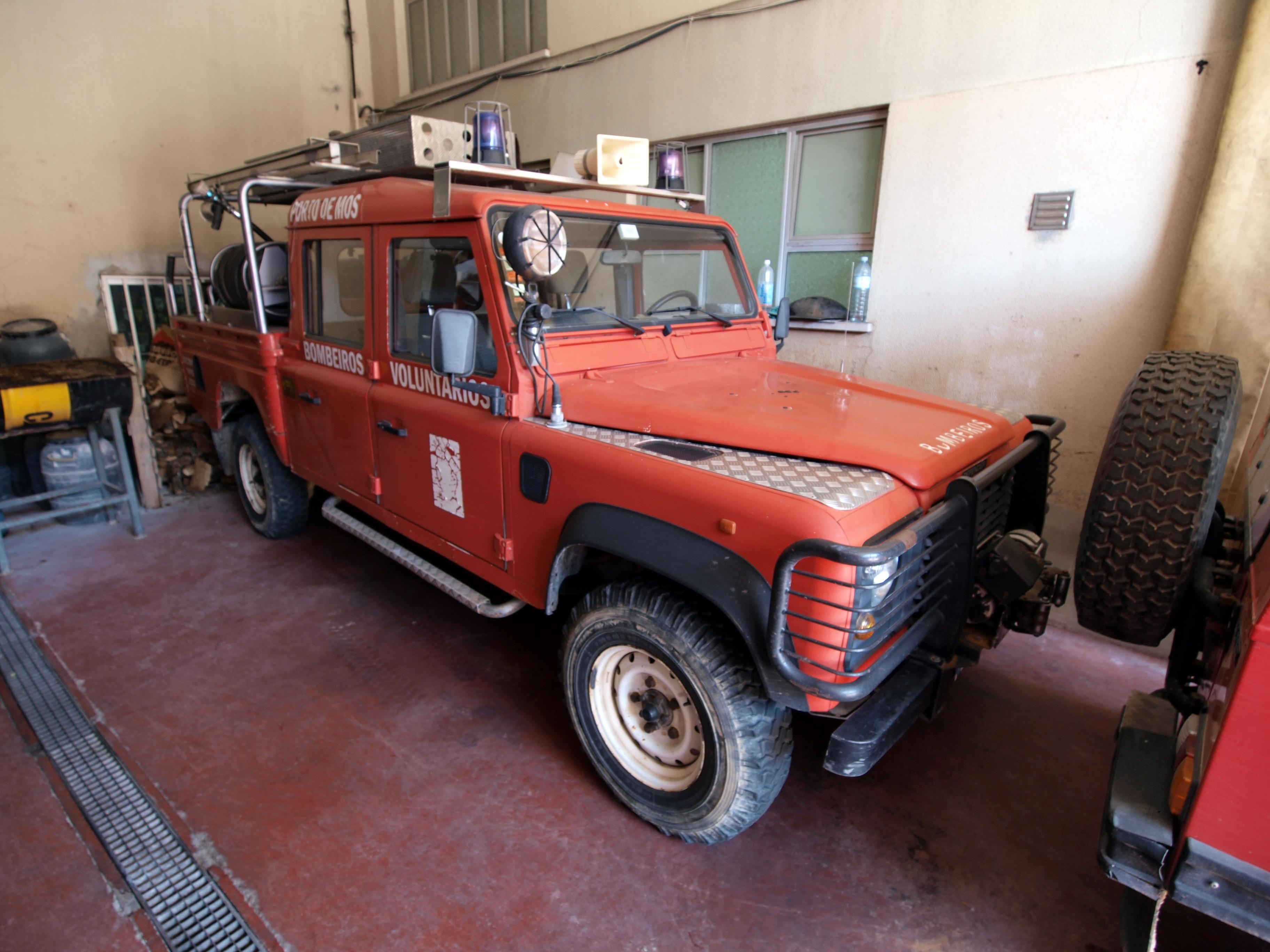 File Land Rover Defender Bombeiros Voluntarios Porto De