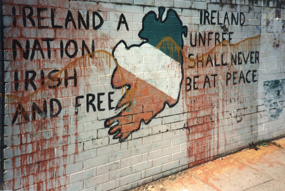 Republican mural, Derry 1986, with evidence of vandalism