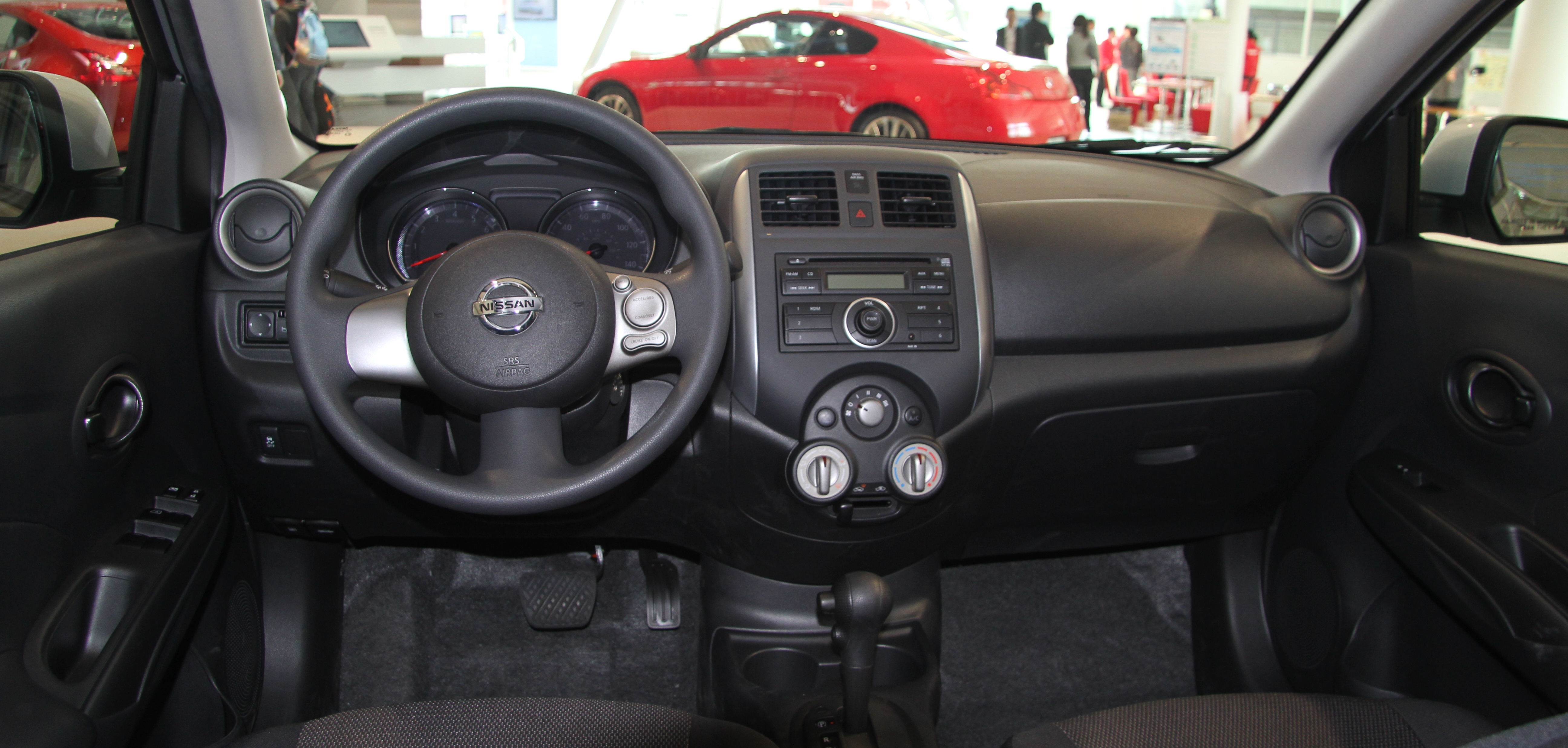 File:Nissan Versa Sedan N17 1.6SV Interior