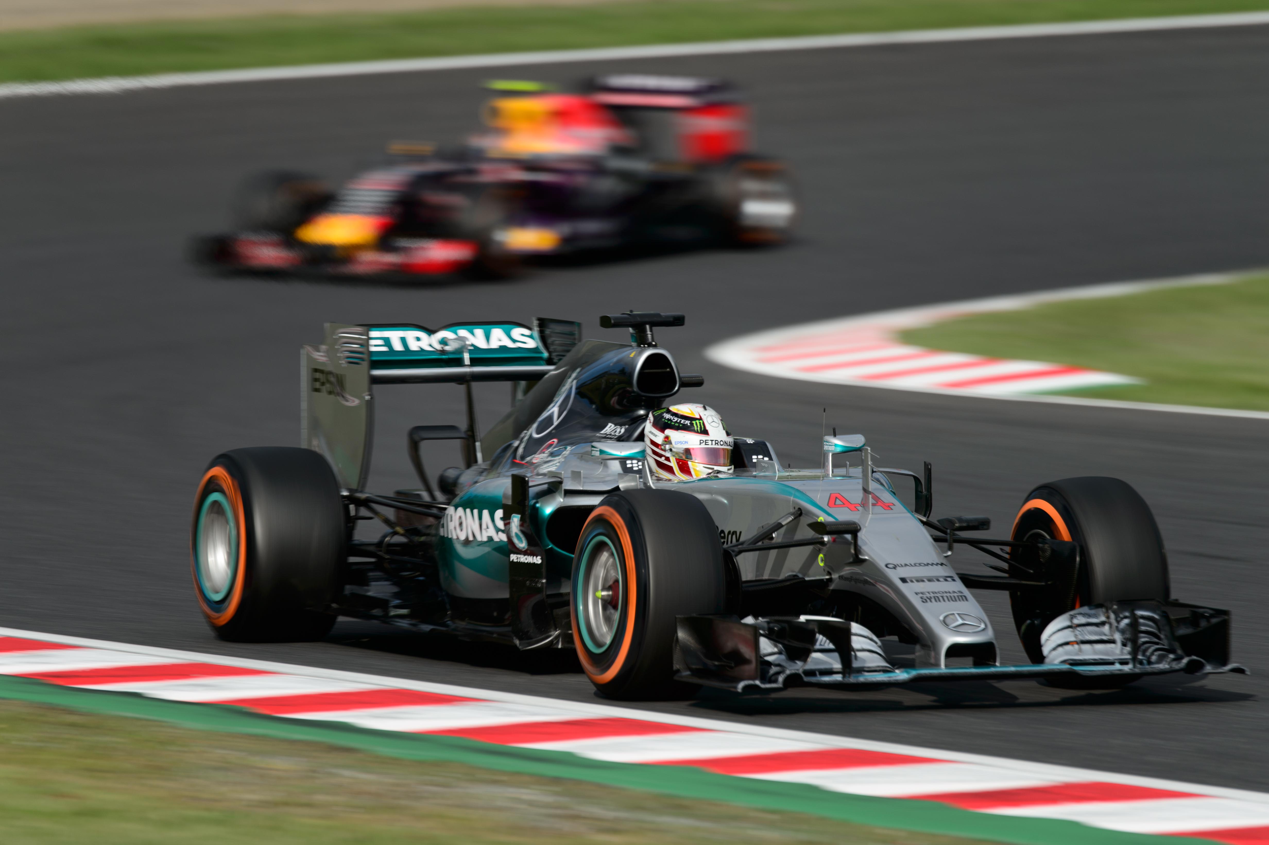 File No.44 - Lewis Hamilton - Mercedes AMG Petronas F1 Team  (21701103570).jpg 514bfb761bf