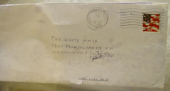 English: An image of the envelope addressed to...