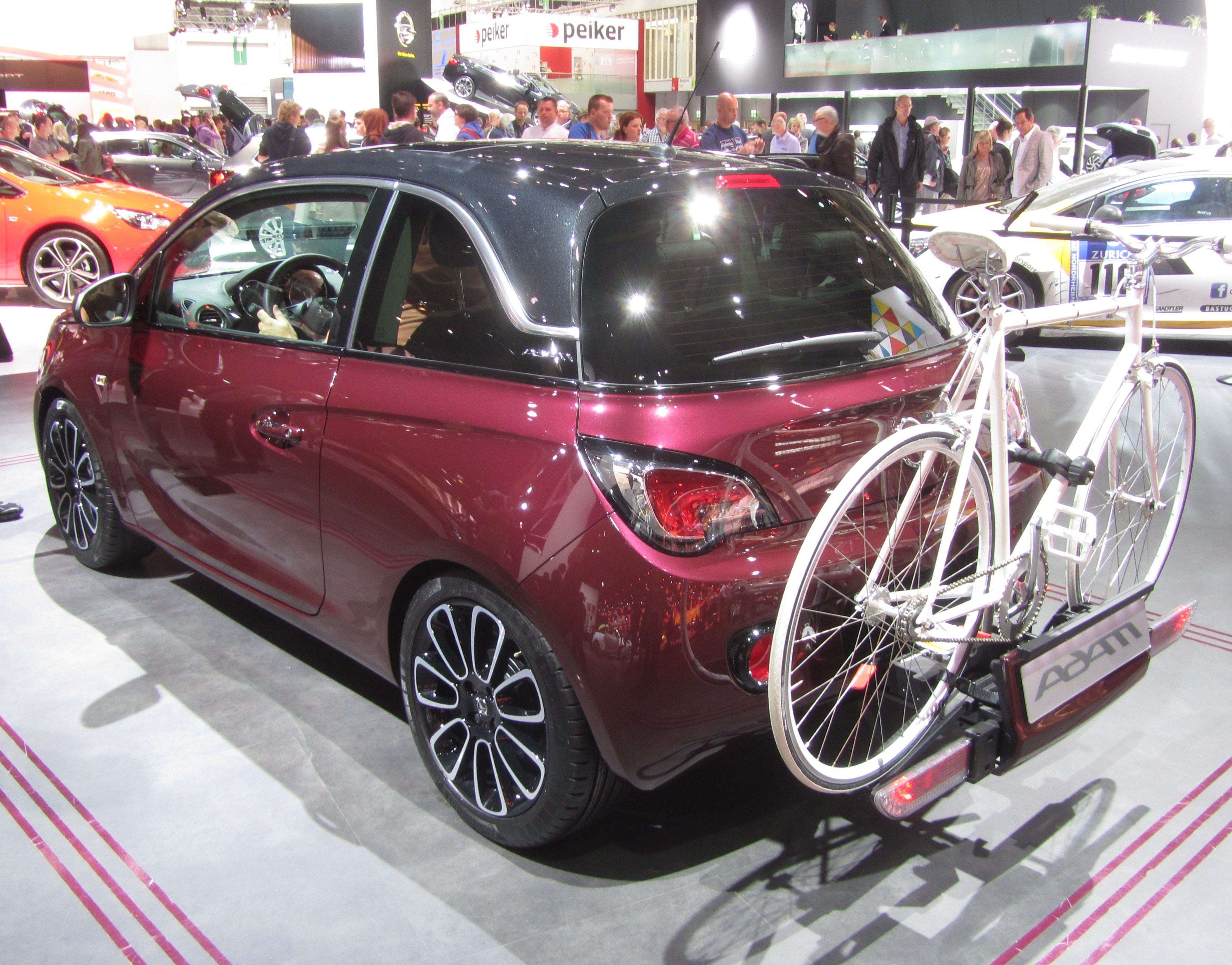 datei opel adam berry red w flexfix bike carrier iaa2013. Black Bedroom Furniture Sets. Home Design Ideas