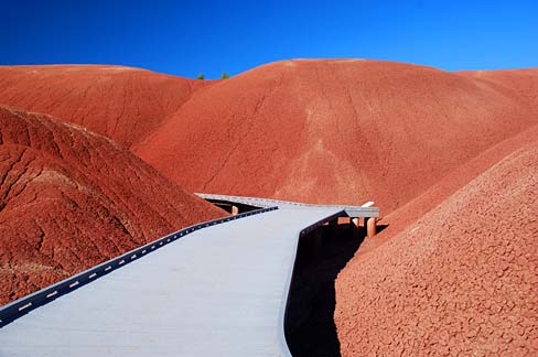 Oregon Blue Book >> File:Painted Hills Boardwalk (Wheeler County, Oregon scenic images) (wheDA0015).jpg - Wikimedia ...