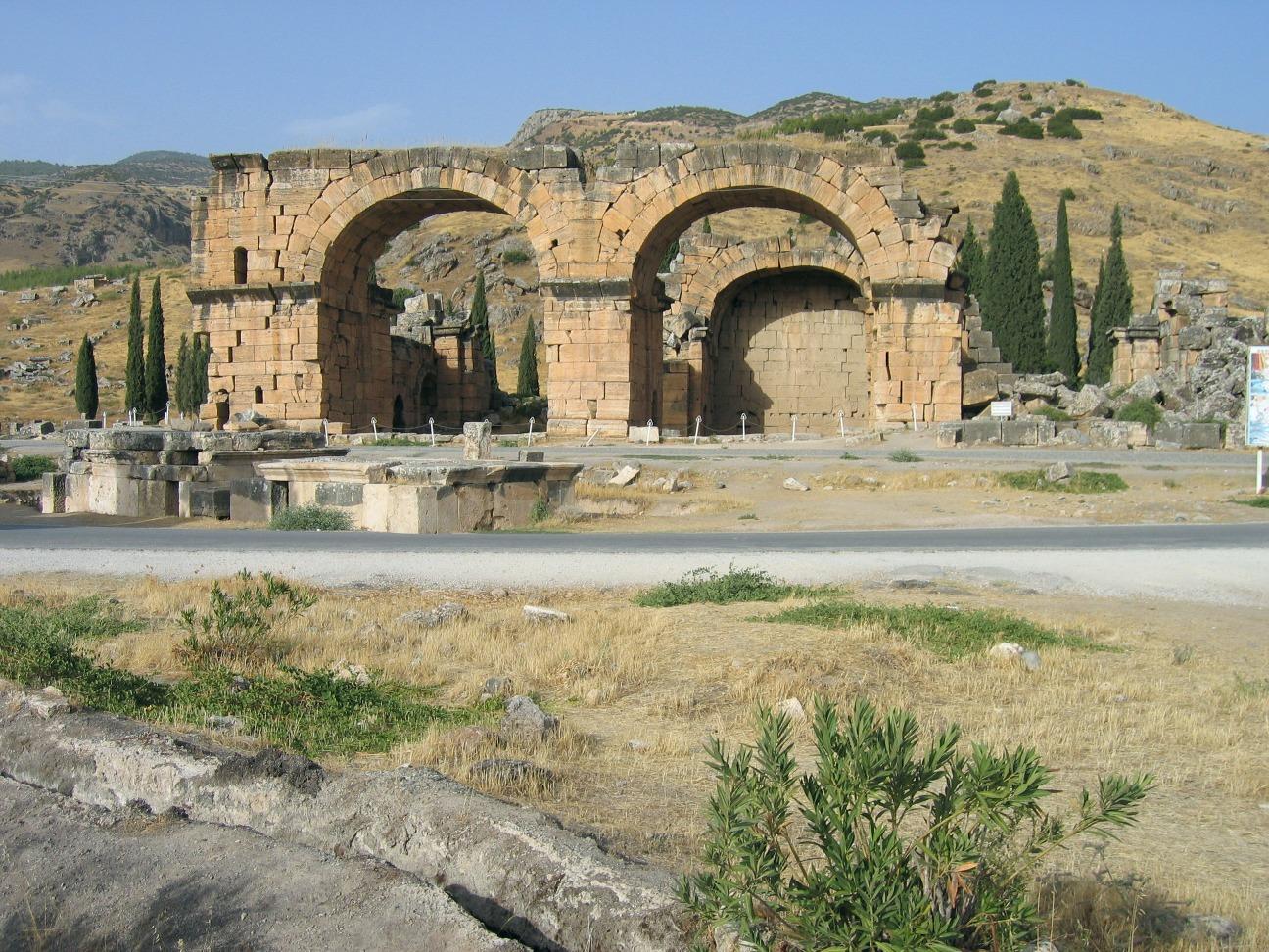 Hierapolis-Pamukkale - Sights