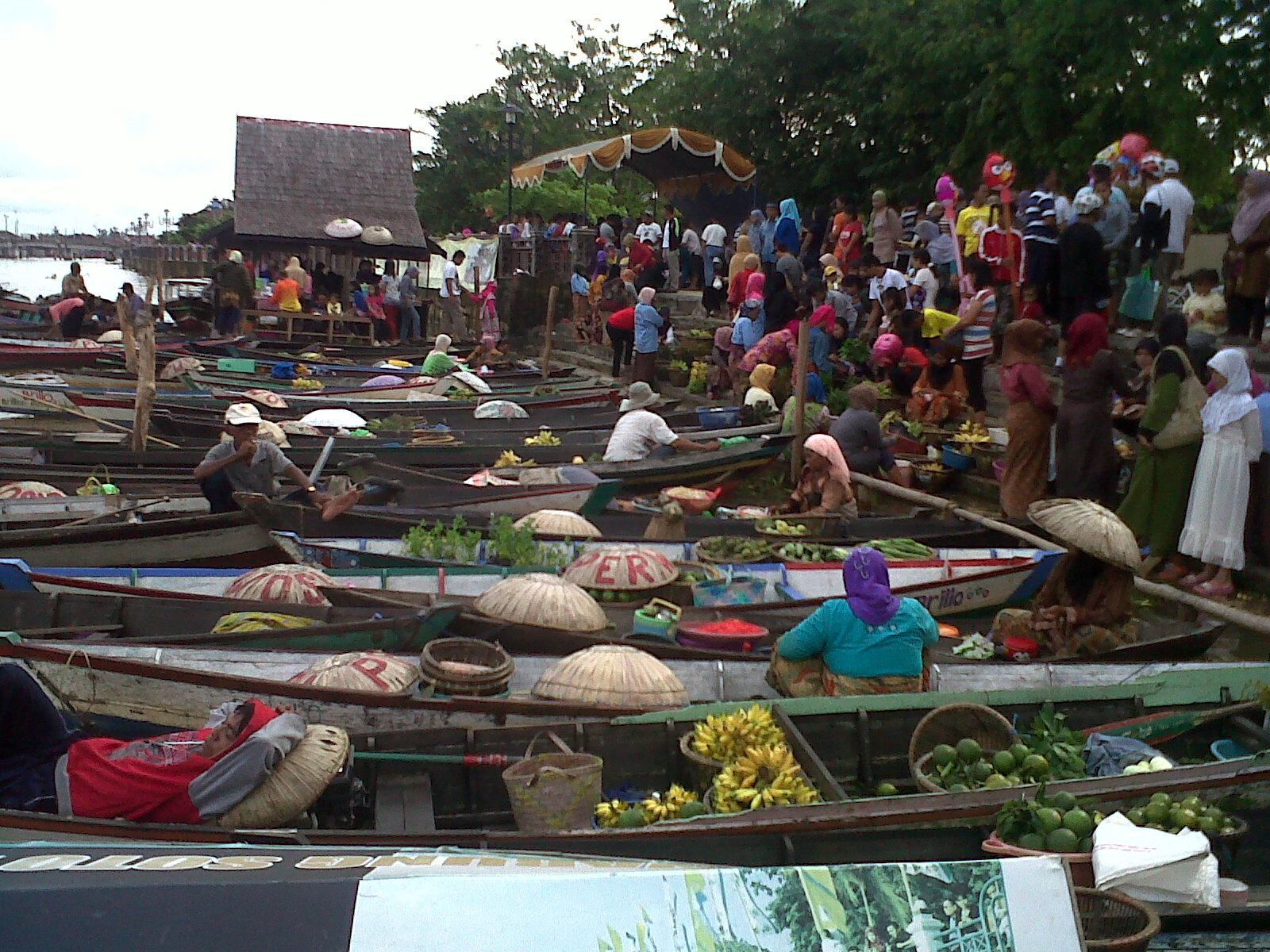 Hasil gambar untuk Pasar Siring Piere Tendean, Kalimantan Selatan