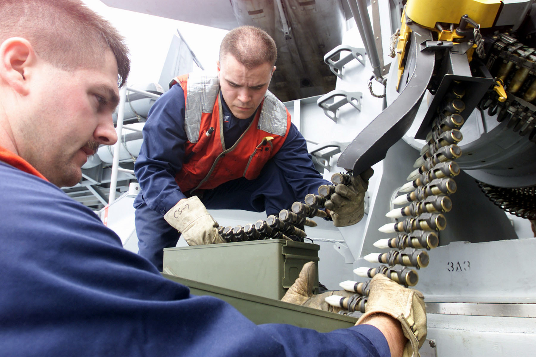 sistemas de defensa de las fragatas mexicanas  Phalanx_CIWS_Tungsten_Upload