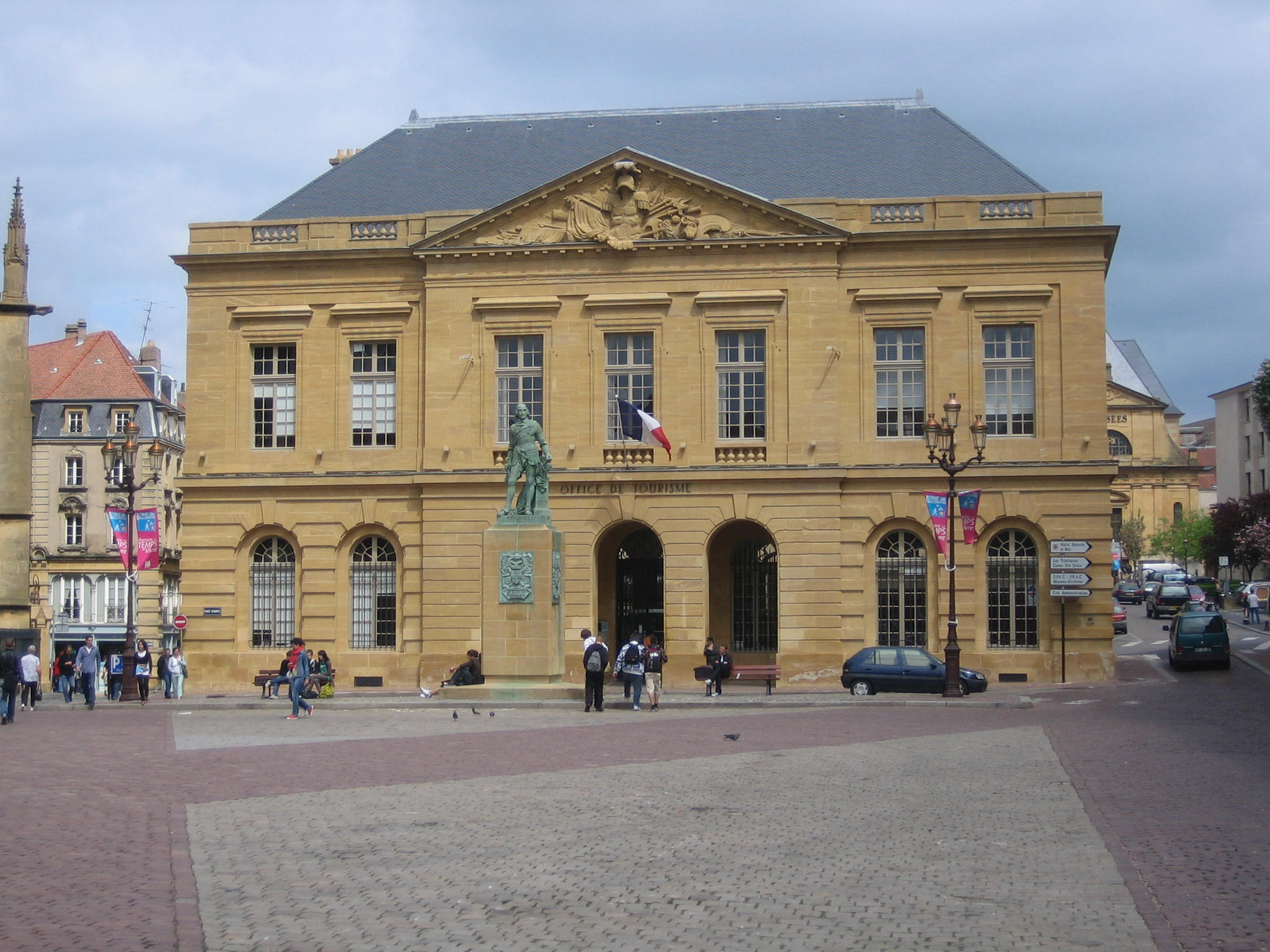 File place d 39 armes metz jpg wikimedia commons - Office de tourisme de metz ...