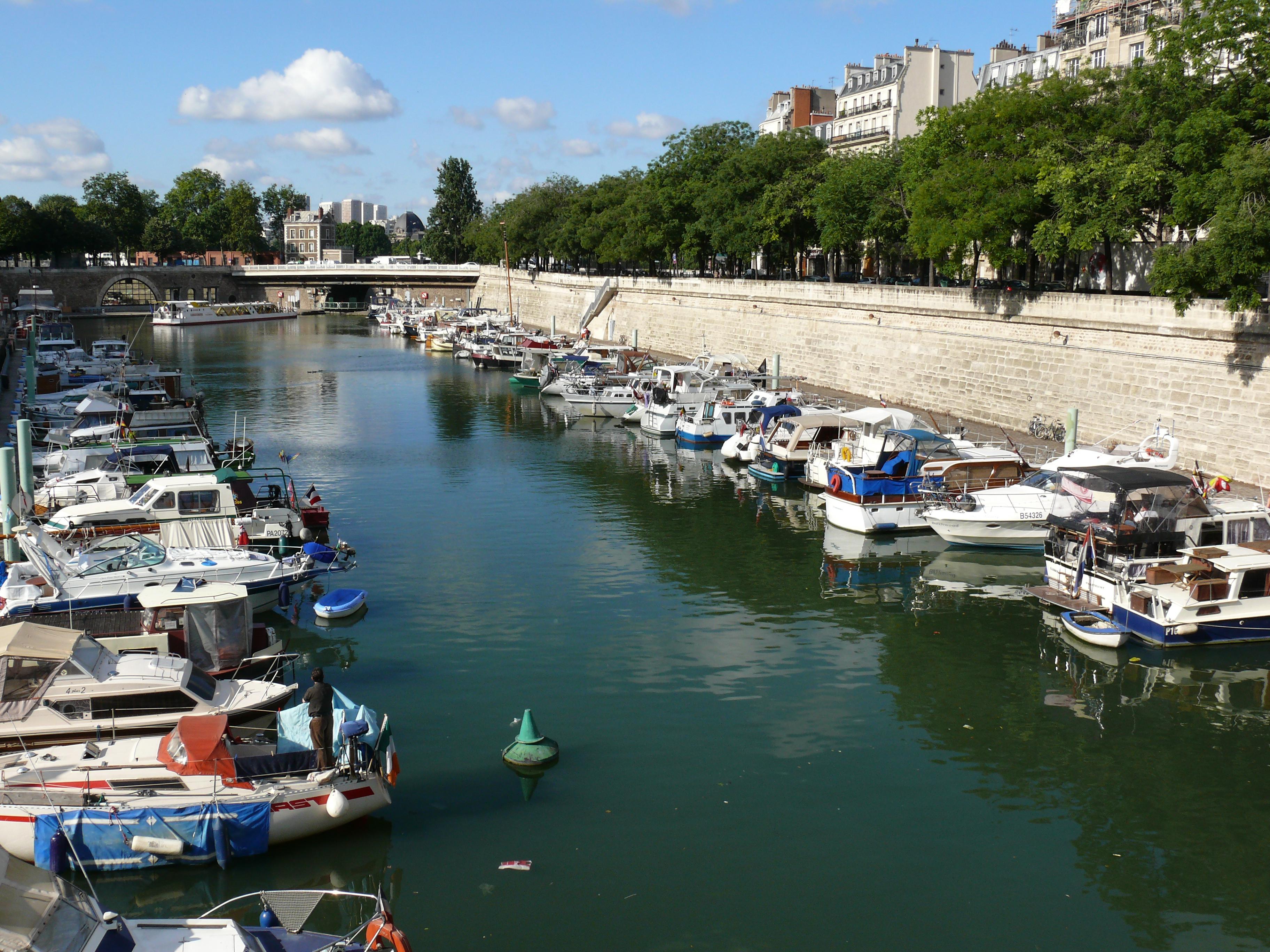 File port de l 39 arsenal paris 2 jpg wikimedia commons - Port de l arsenal bastille ...