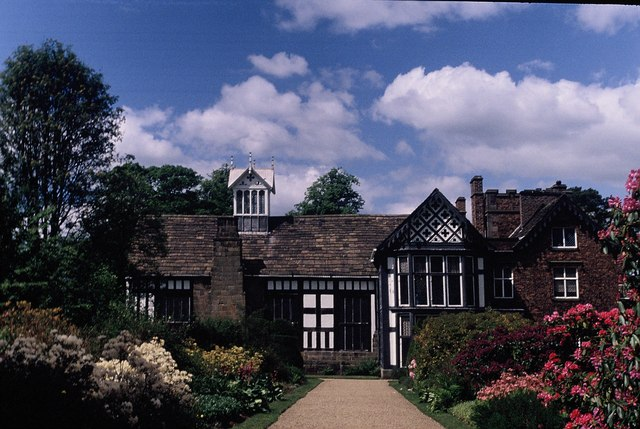 Rufford Old Hall - geograph.org.uk - 1080503
