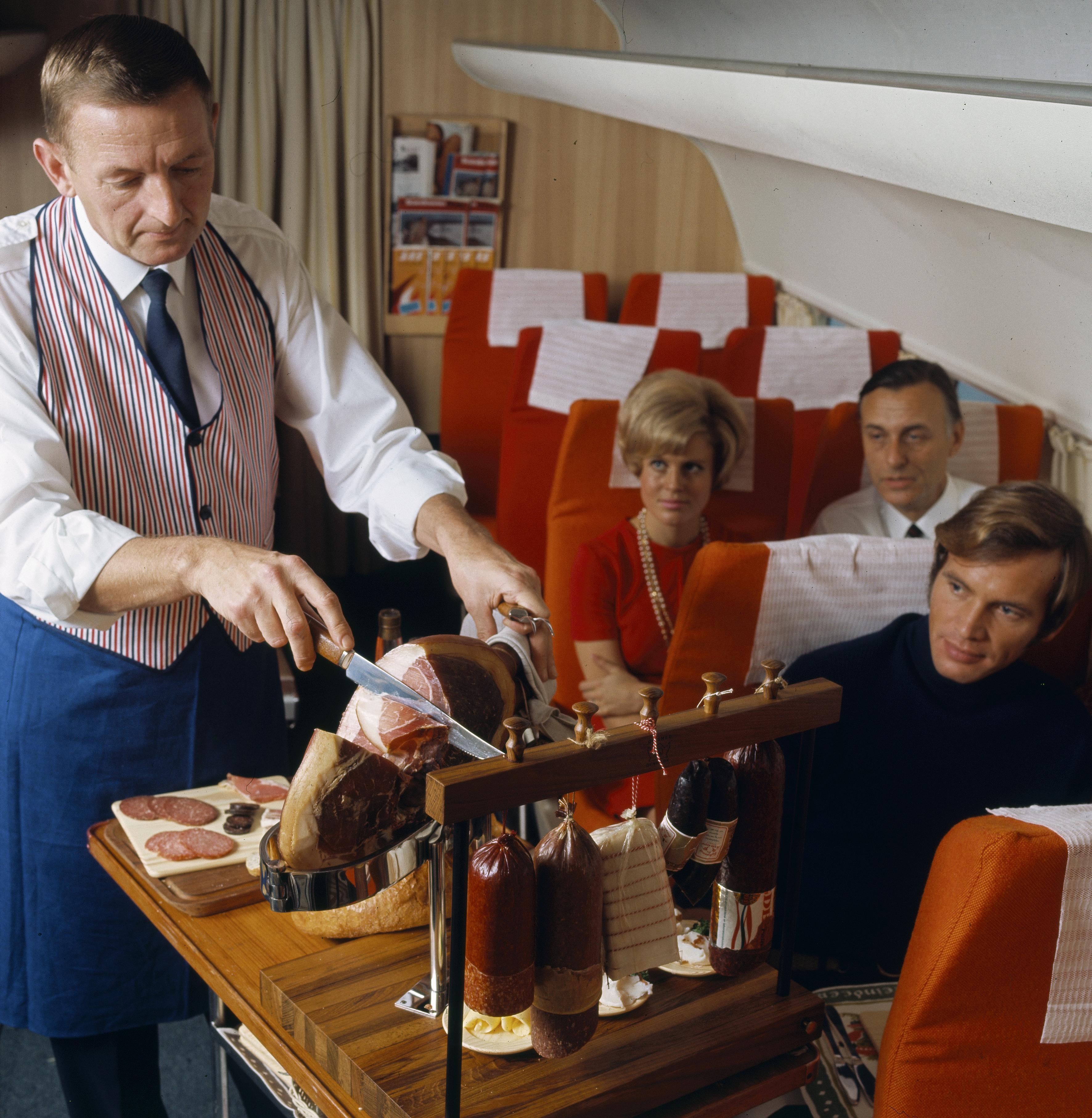 interior 1 Cabina de Pasaje Douglas DC-8 Aviaco | ahbaselga | Flickr