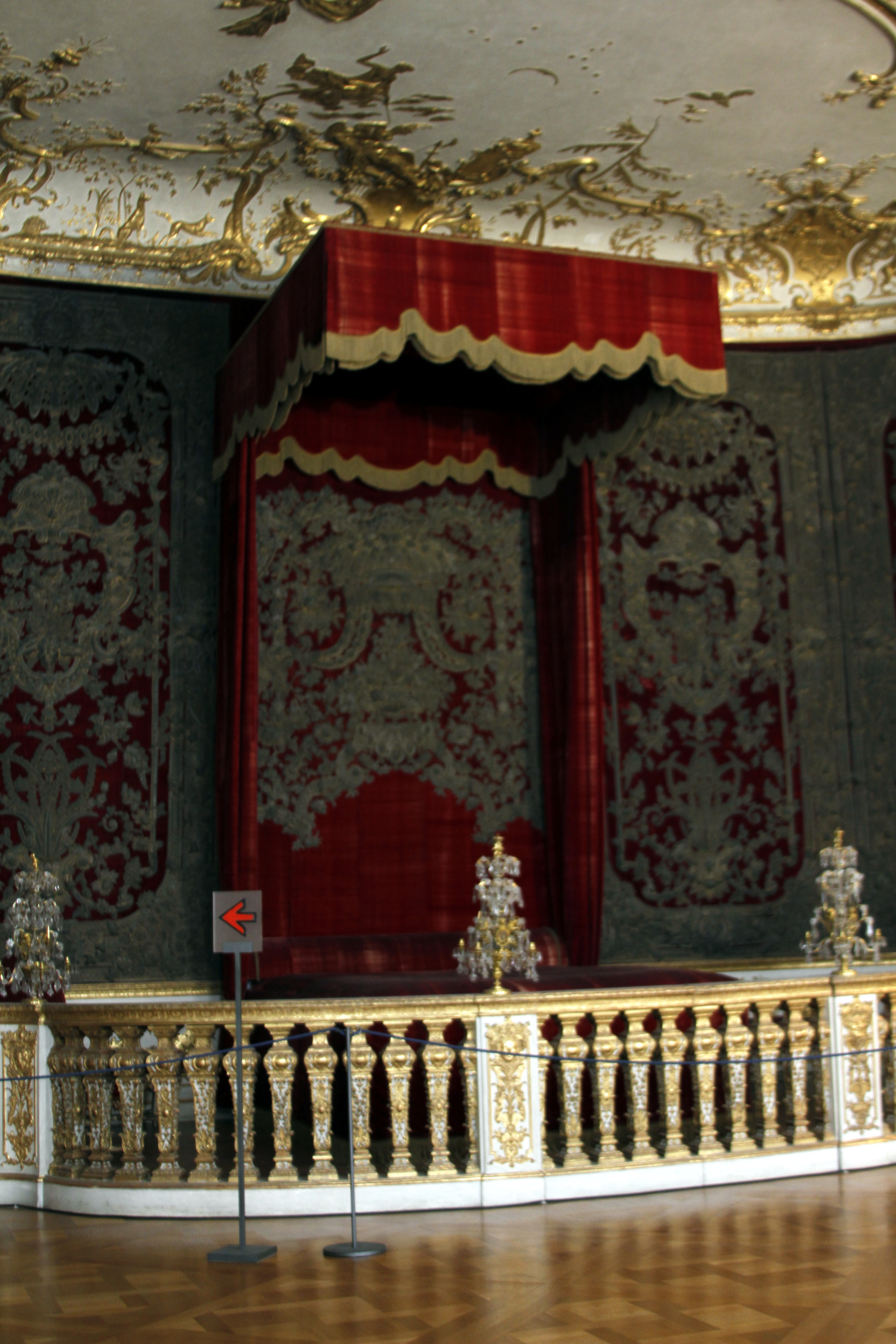 File State Bedroom Rich Rooms Residenz Munich Germany 2017