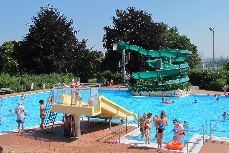 Terrassen Pool file terrassen freibad wendlingen am neckar jpg wikimedia commons