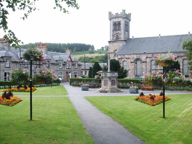 The Square, Aberlour - geograph.org.uk - 1498113