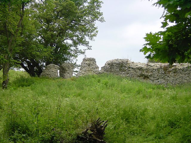 File:Thurnham Castle.jpg