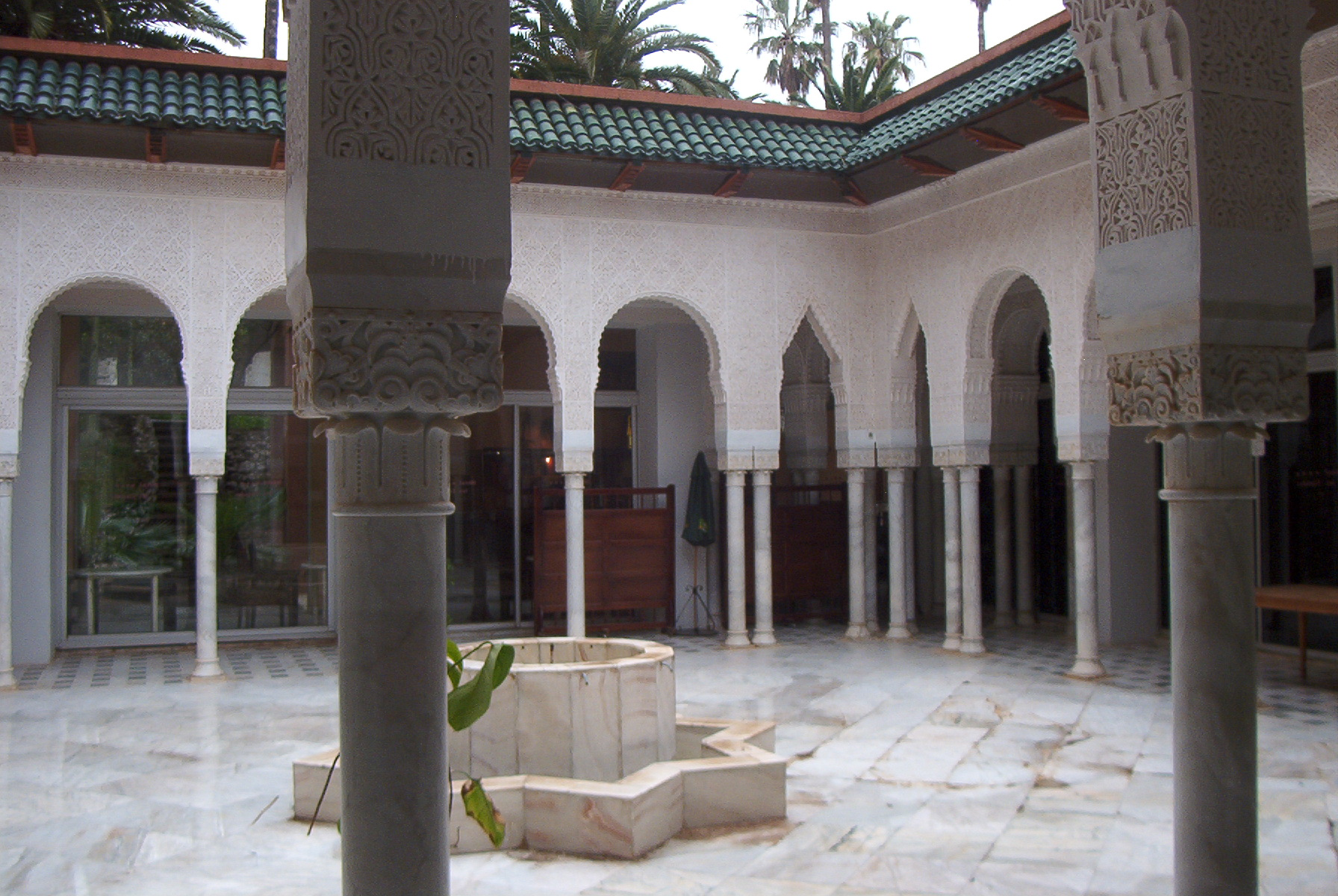 File:Tlemcen Patio des Zianides.jpg - Wikimedia Commons