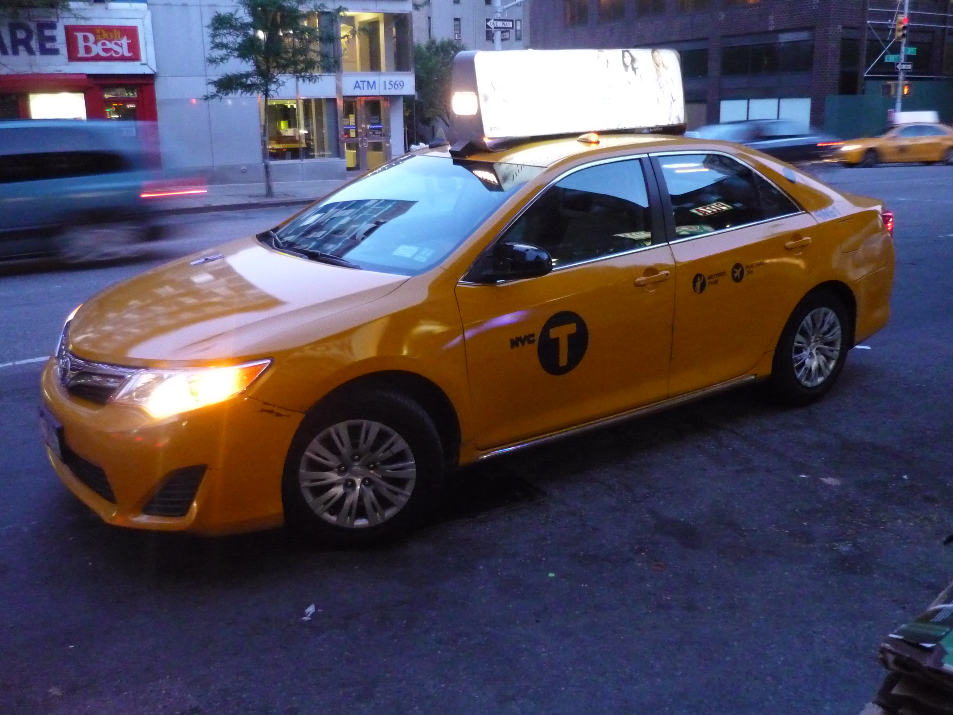 File Toyota Camry Nyc Taxi 15567866049 Jpg