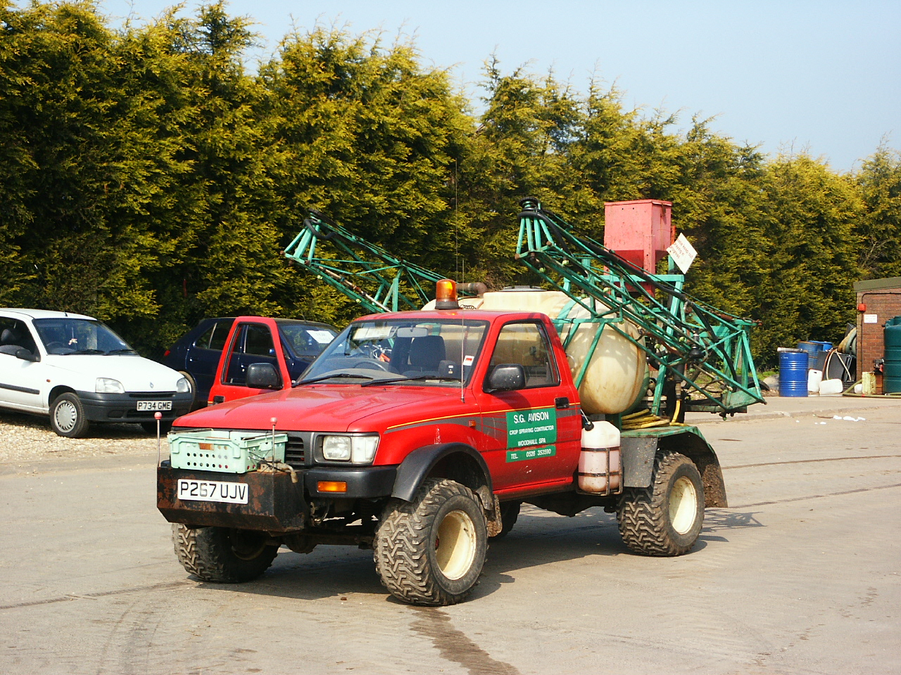 File Toyota Hilux Sprayer Jpg Wikimedia Commons