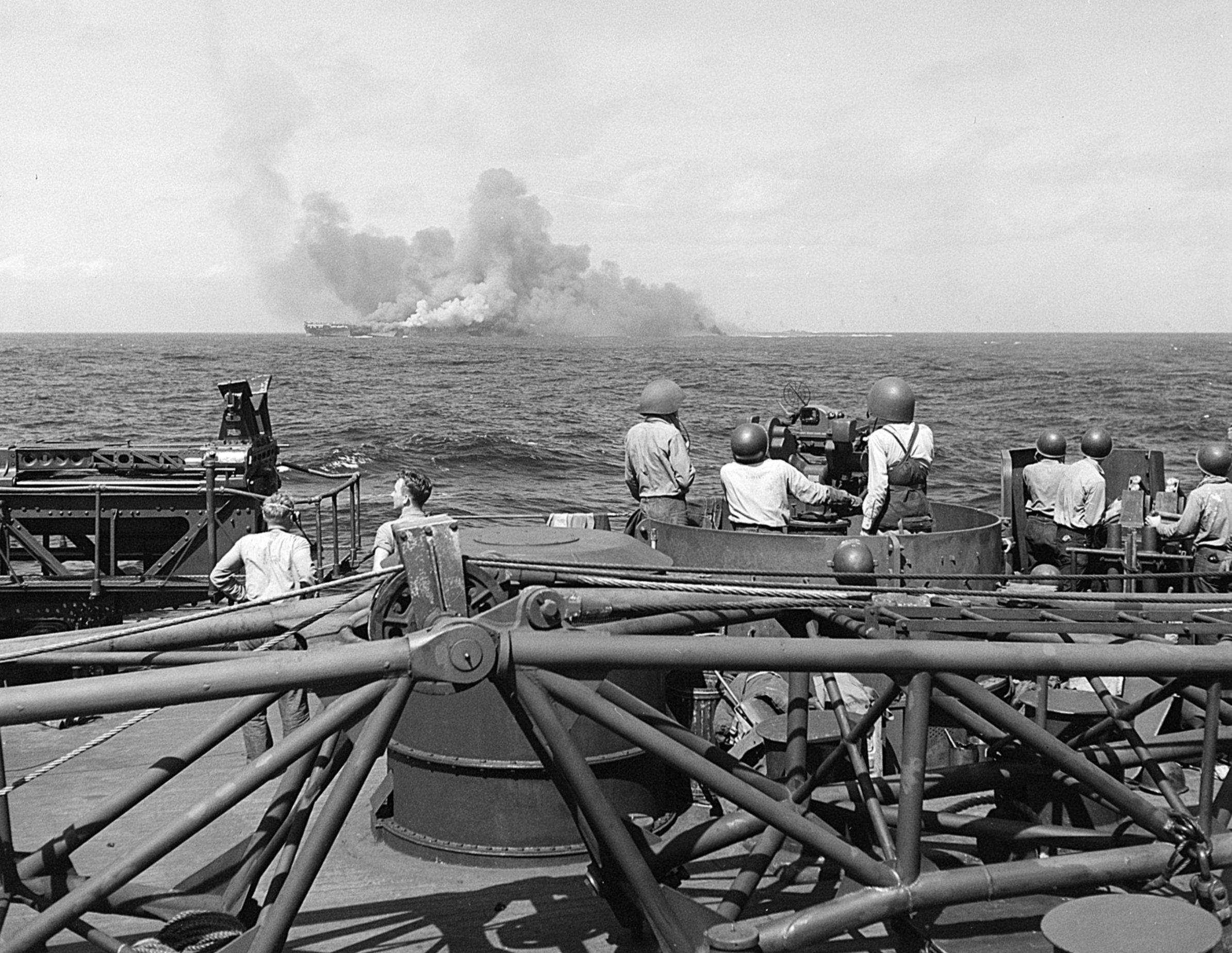 file uss intrepid  cv-11  burning after kamikaze hits  25 november 1944  520885  jpg