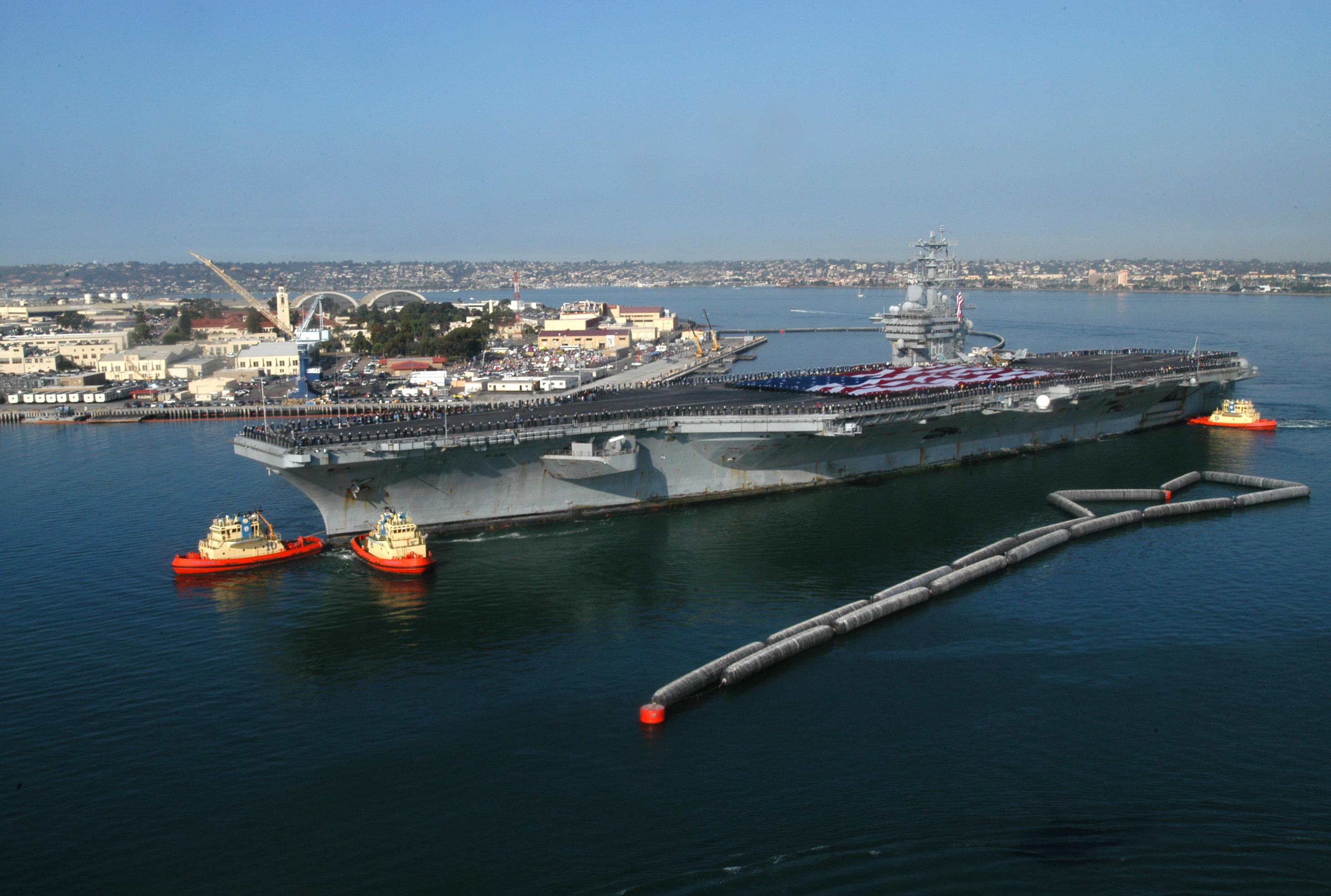 Uss Nimitz Size Comparison File:US Navy 03...