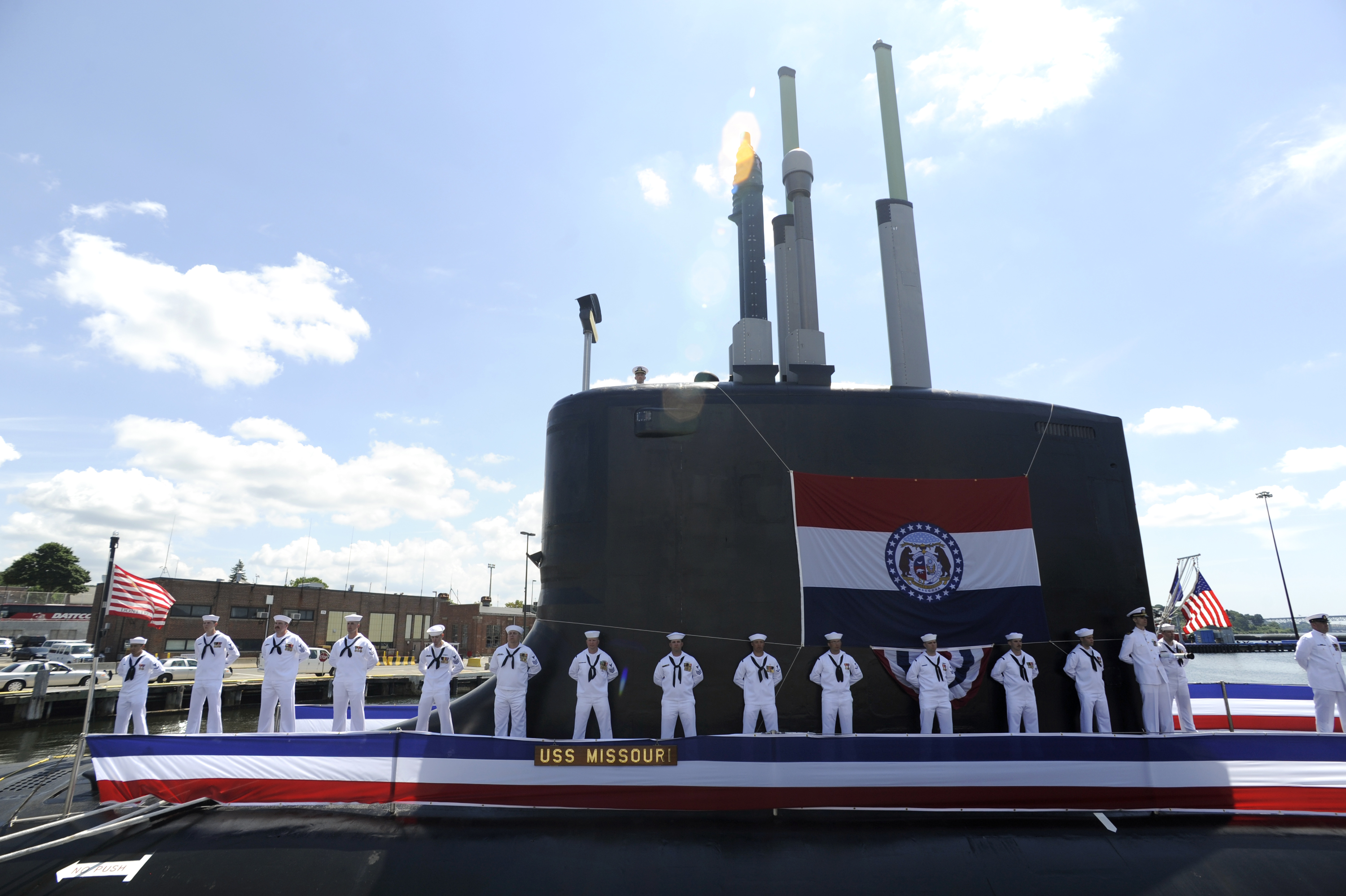 File:US Navy 100731-N-8467N-003 Sailors man the rails and ...